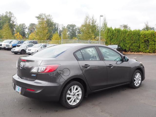 Pre Owned 2013 Mazda3 4dr Sdn Auto I Touring