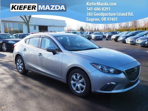 Pre-Owned 2014 Mazda3 4dr Sdn Man i Sport